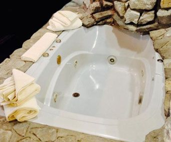 Jet tub in Settle Inn