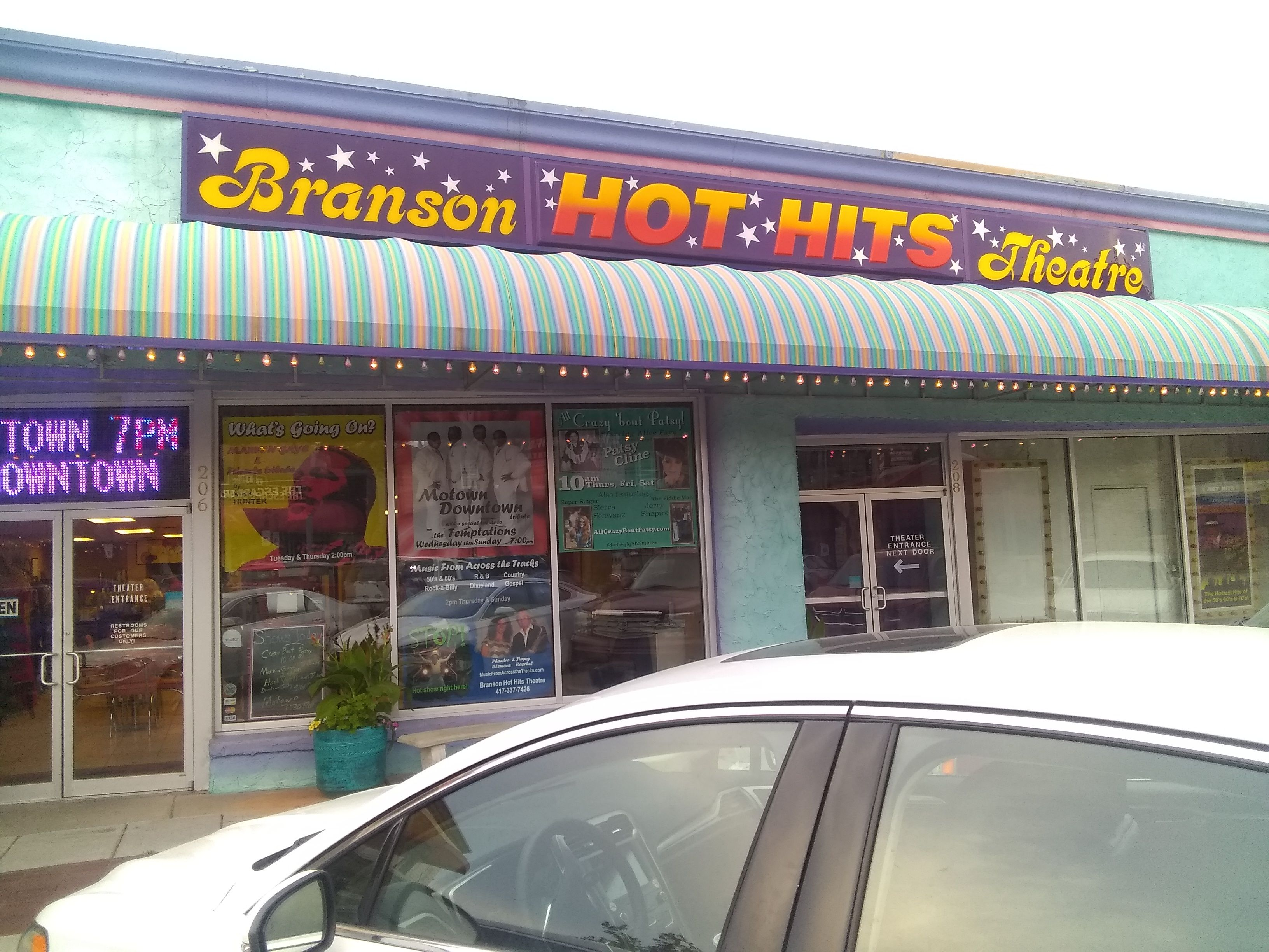 Branson Hot Hits Theater near Motown Downtown a Tribute