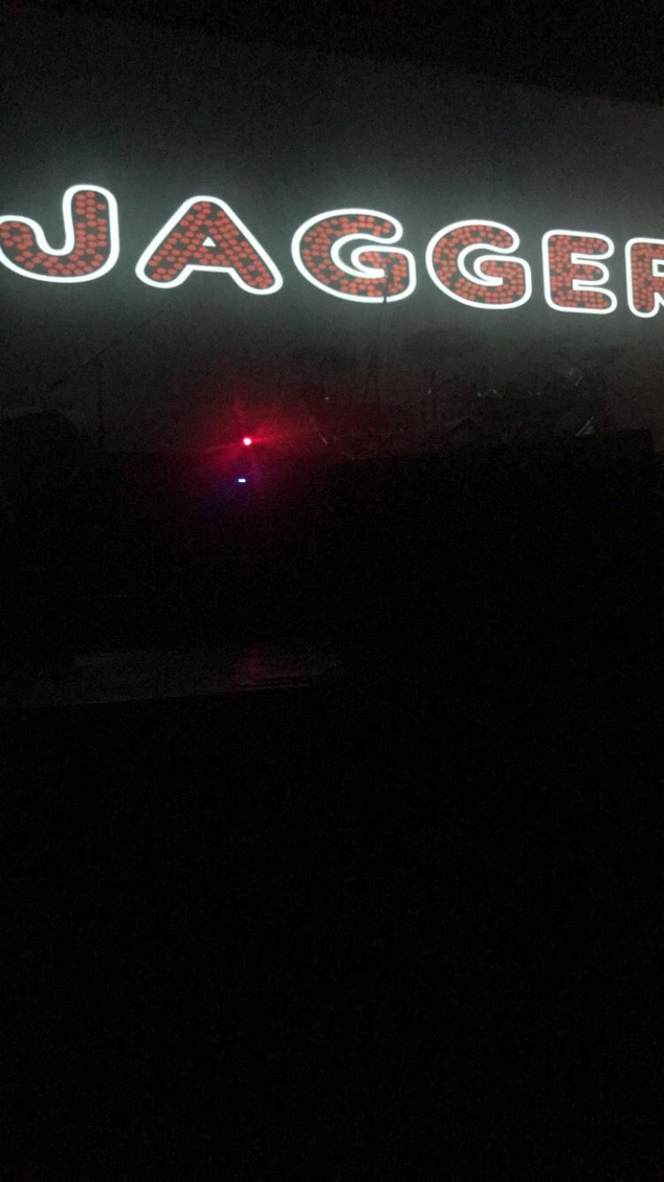 Jagger Sign at 3 Dog Night and Friends