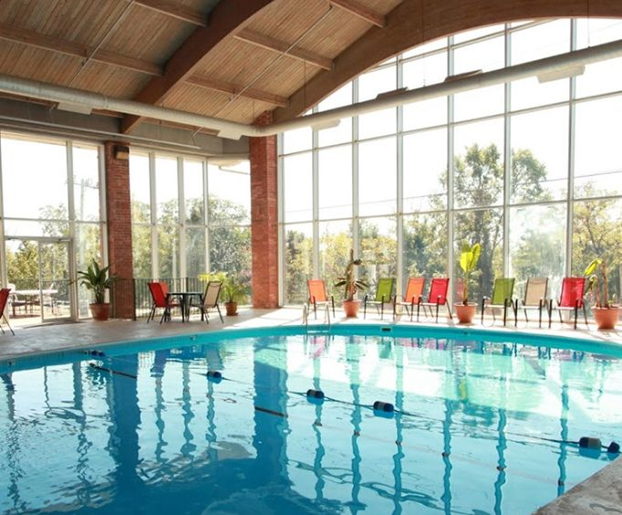 Southern Oaks Inn Indoor Swimming Pool